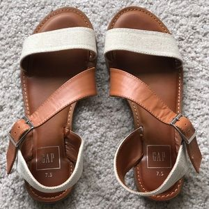 GAP Modern Strappy Sandals Size 7.5